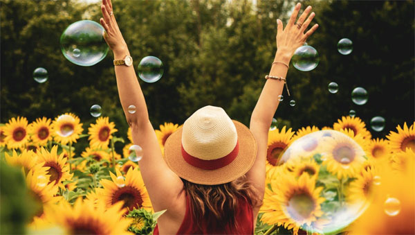 Happy bubbles and sunflowers